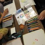 10/24(水) 色彩について。 中学校の美術の先生である部員さんから色彩の話をしてもらいました。 その後11月に開催されるお店のバザーのチラシの絵を描きました。