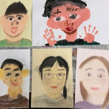 11月年少〜小学生の親子の部「自画像」